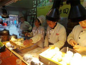 Cuoche al lavoro in Cina