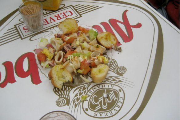 Deliziose tapas di calamari a Granada