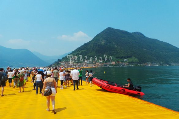 The Floating Piers dell'artista Christo, al lago d'Iseo