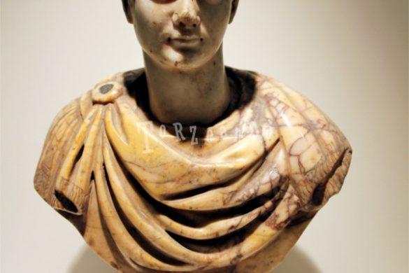 Mezzobusto romano al Museo Archeologico Nazionale di Aquileia