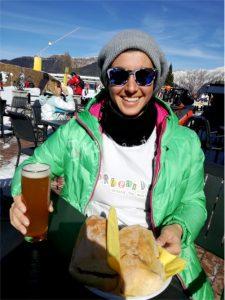 Pausa panino e birra sulle piste da sci