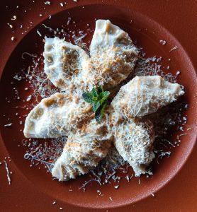 I cjarsons sono uno dei piatti da mangiare in Friuli