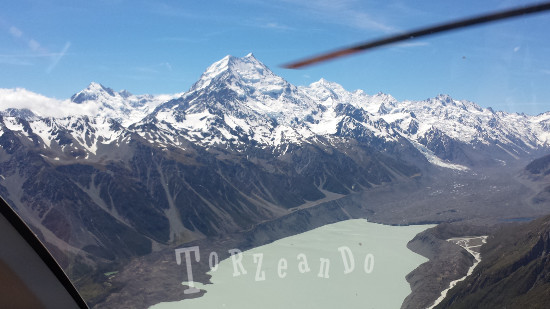 Le Alpi neozelandesi viste dll'elicottero