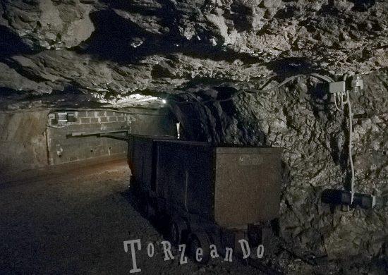 Carrello per il trasporto del materiale all'interno della miniera di Cave del Predil