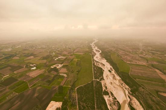 vista del Torre con il volo in mongolfiera in Friuli