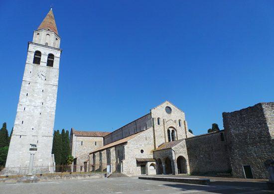 Piazza Capitolo e la basilica di Aquileia