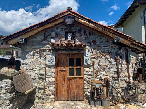 casa dello scultore Mario Seccardi ad Arta Terme