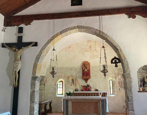 interno chiesa dei Templari Arta Terme