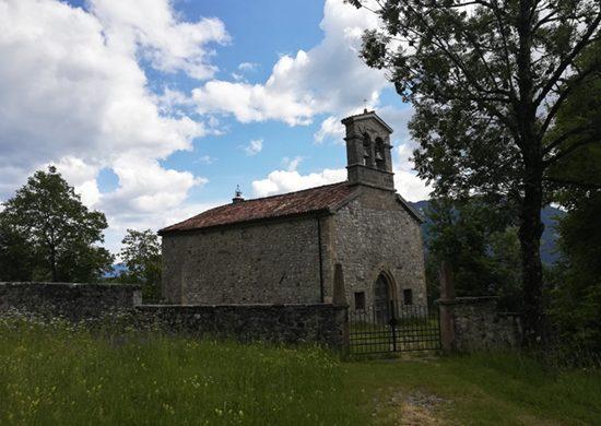 La chiesa di Trava è tra le cose da vedere a Lauco